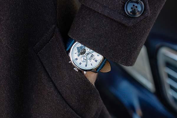 pērk pulksteni Rīgā