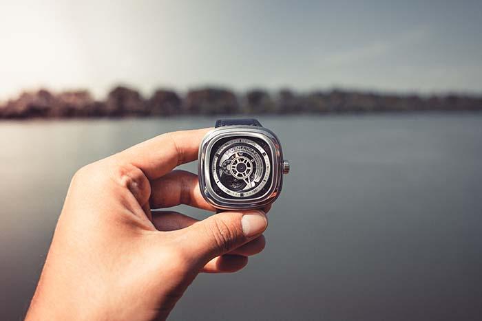 ekskluzīvi Šveices rokas pulksteņi